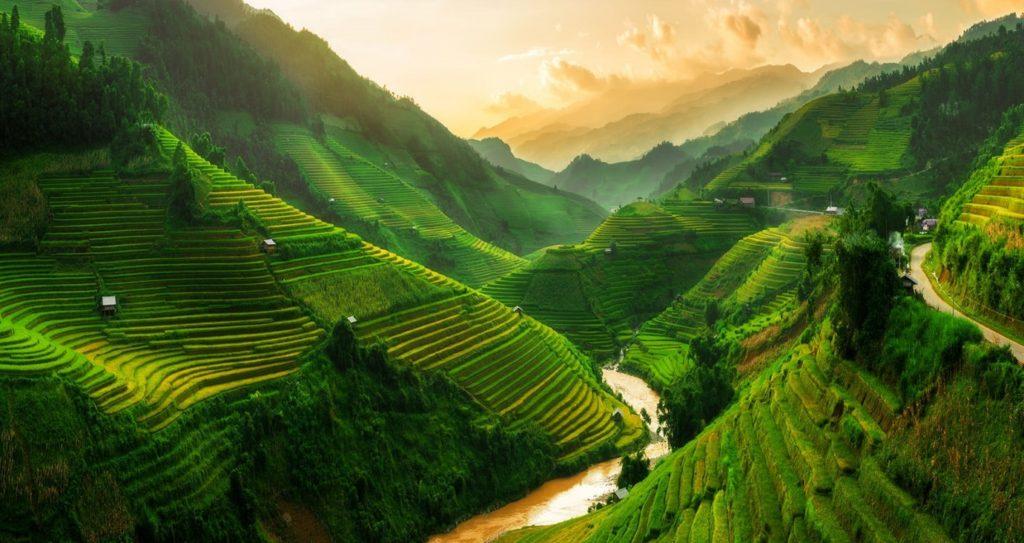 Sapa has beautiful natural sceneries