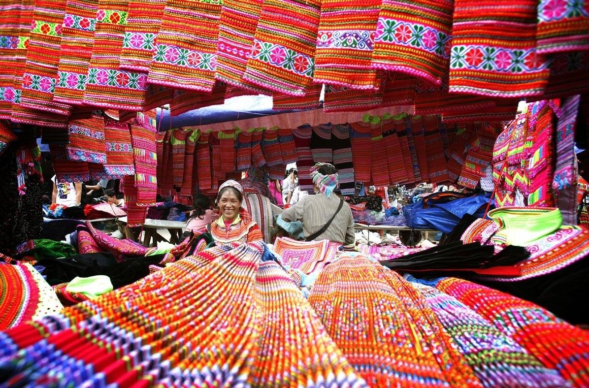 Sapa love market