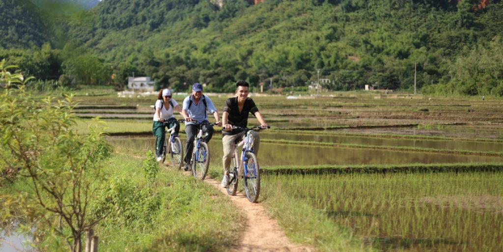 Explore Mai Chau on two wheels